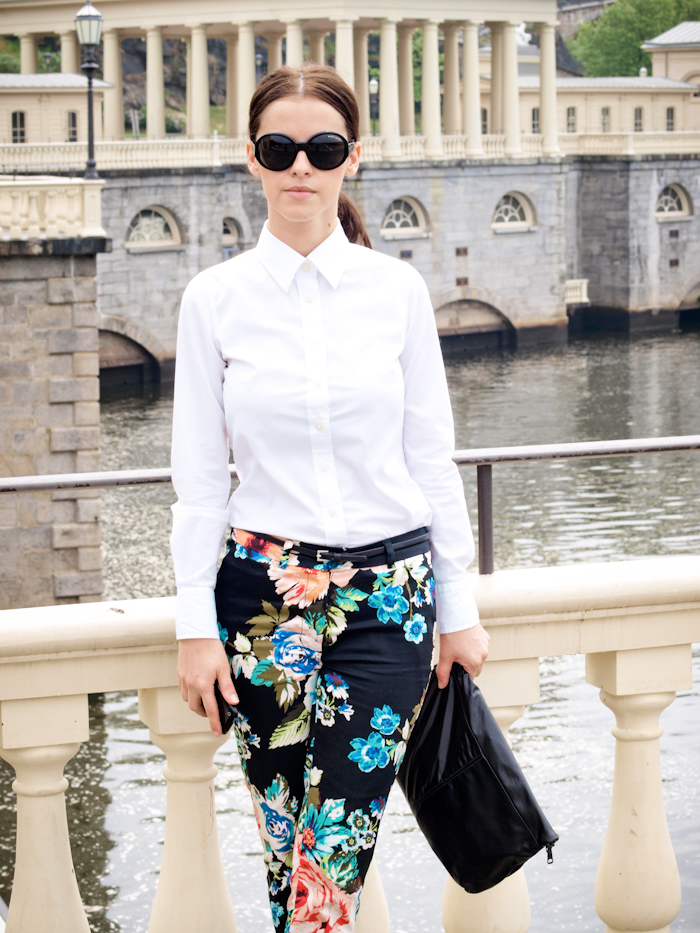 bittersweet colours, street style, colours, prints, floral prints, white shirt, Philadelphia, round sunglasses,