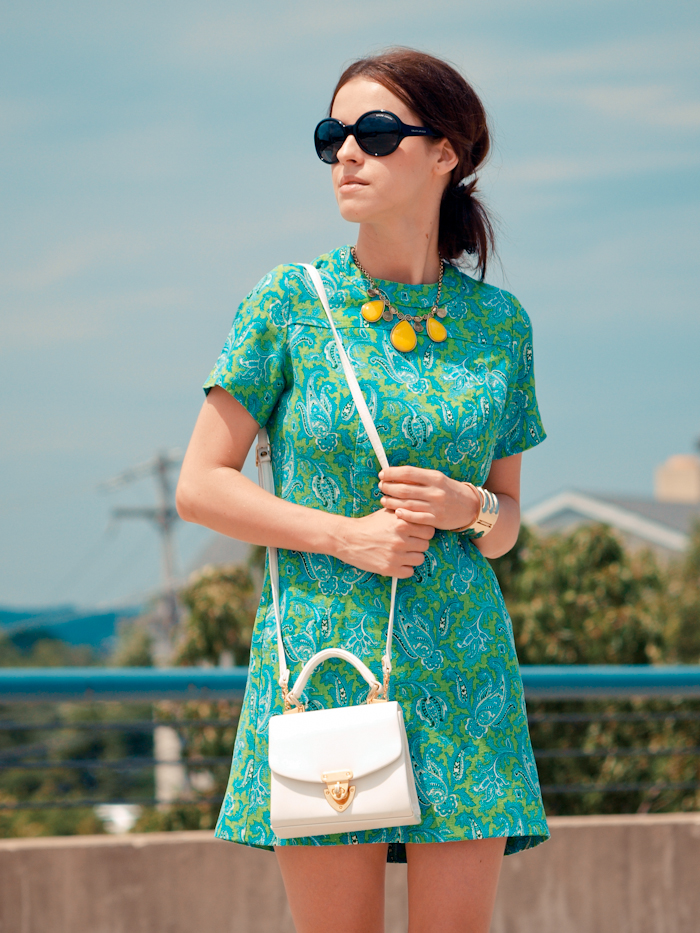 bittersweet colours,  colors, fashion trends, summer trends,  round sunglasses,  floral prints, vintage dress