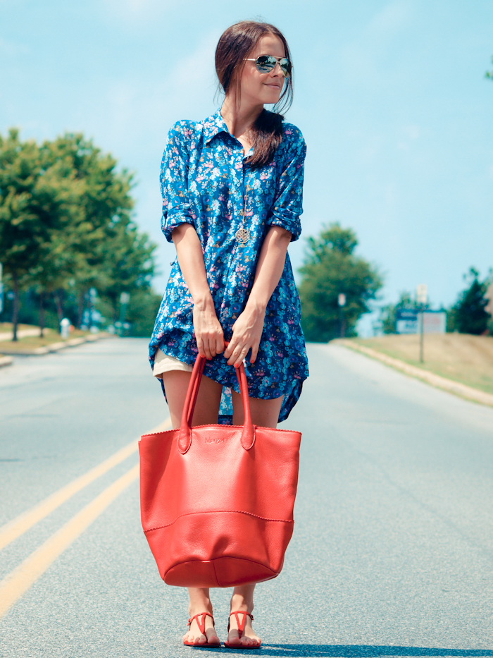 bittersweet colours, street style, colors, casual style, floral dress, floral print, beneton sandals, red bag, summer style,