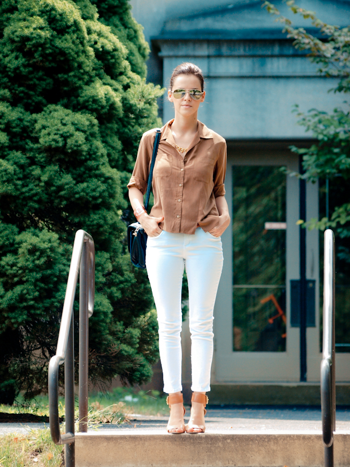 bittersweet colours, street style, white jeans, vintage top, chanel cuff, casual look,  brown and white combination