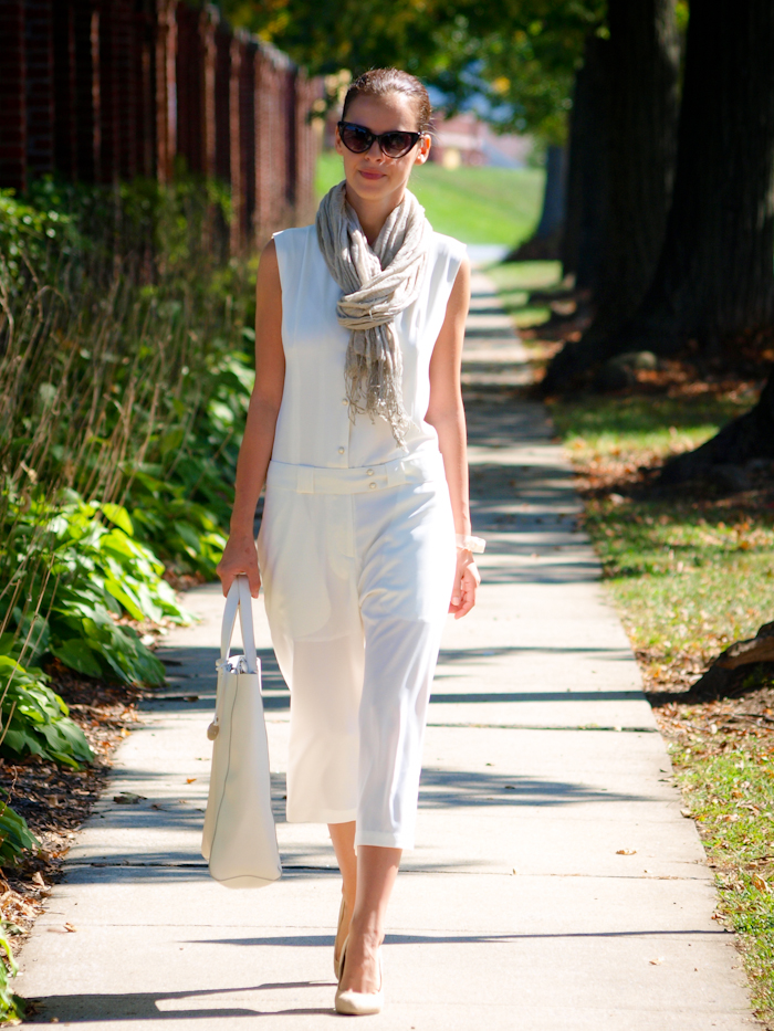 bittersweet colours, street style,  white on white, jumpsuit, eye cat sunglasses