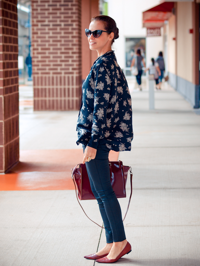 bittersweet colours, street style, floral print, burgundy color, eye cat sunglasses,