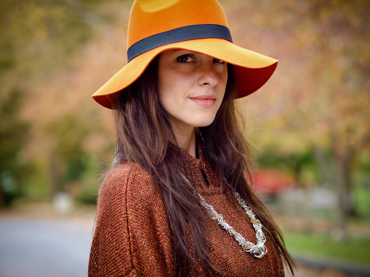 bittersweet colours, fall colors, street style, wool hat, croped pants, orange,