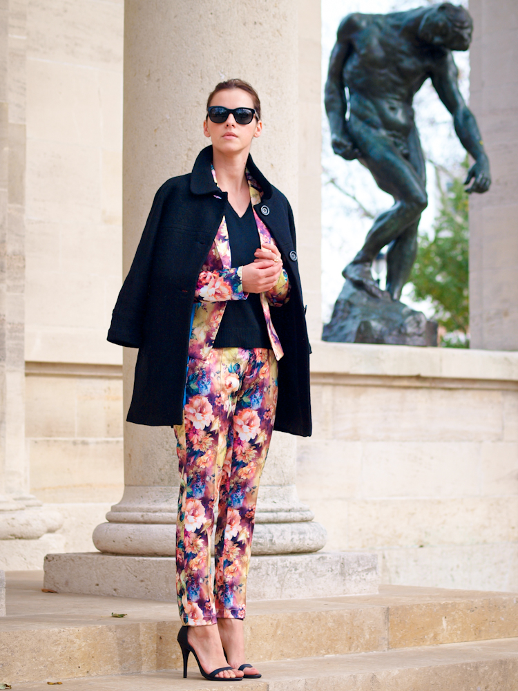 bittersweet colours,  street style, floral print, suit, Philadelphia, colors, printed women suit, prints