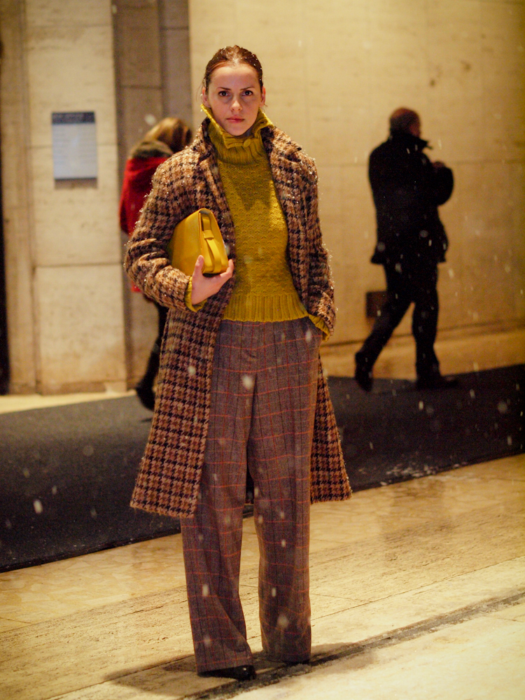bittersweet colours, nyfw, nyfw street style, lincoln Center nyfw, winter trends, colorful coats, printed coat, street style, fall colors,