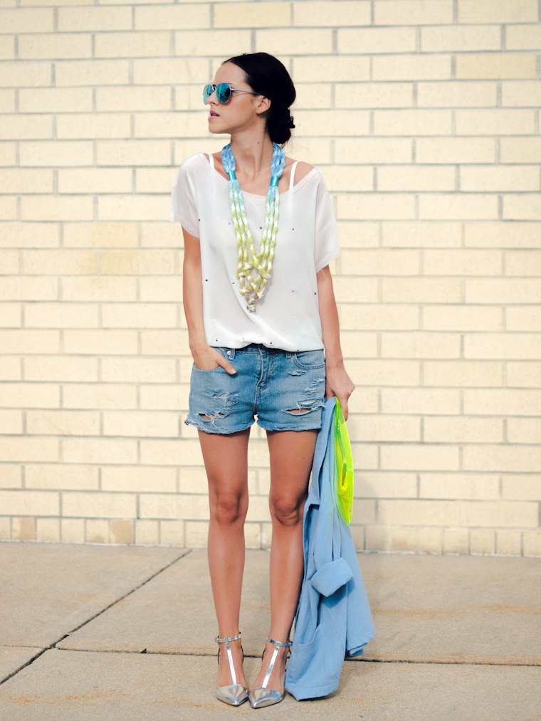bittersweet colours, clear clutch, COLORS, DIY, Klear Klutch, Levis, metallics trend, mirrored sunglasses, ripped denim, short suit, Zara, Seth Damm necklace, street style,
