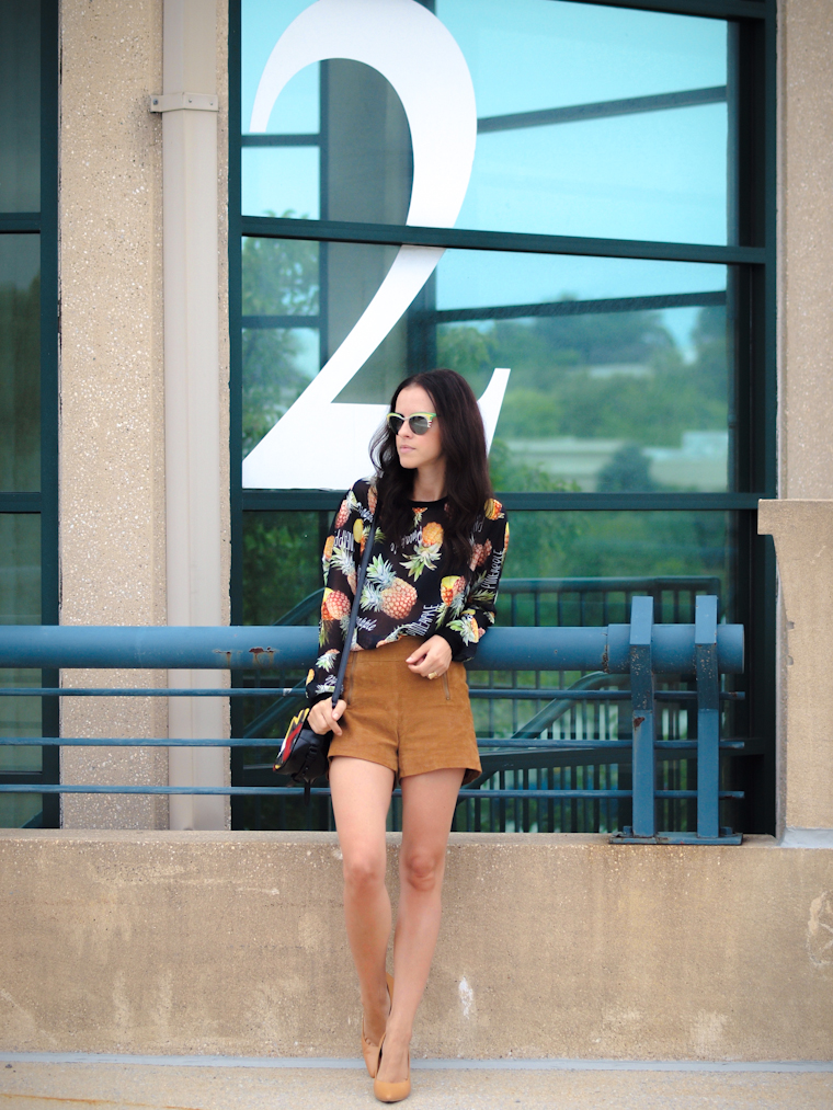 bittersweet colours, Fall trends, 3.1 Phillip Lim, Prada sunglasses, leather shorts, COLORS, street style, prints, fall colors, Nine West,