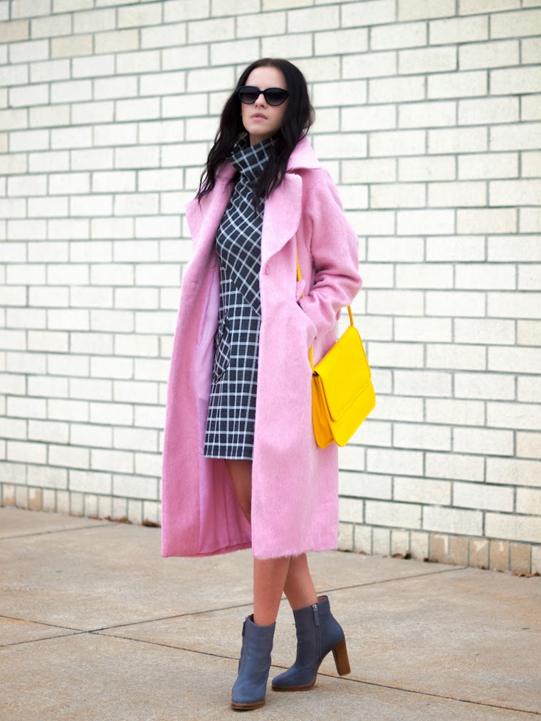 ASOS, bittersweet colours, checkerboard print, cotton candy coat, PINK, Pink coat, PINK TREND, street style, vintage, winter trends, yellow, Zara,