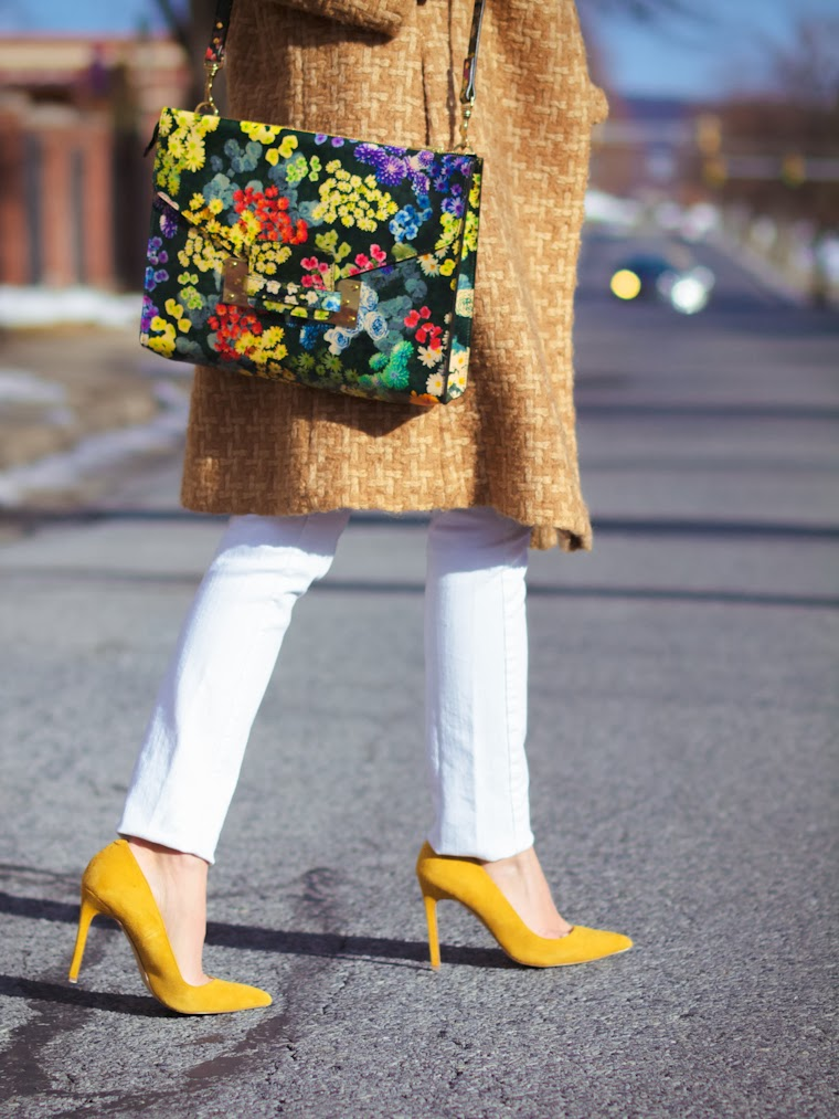 bittersweet colours, CAMEL coat, camel trends, floral prints, Floral trend, Mango, RAY BAN, sophie hulme, street style, turtleneck, vintage, winter trends, yellow,