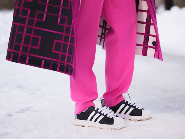 adidas, bittersweet colours, colorful coats, cooee, graphic prints, J.Crew, Lie Sang Bong, neoprene coat, pink pants, street style, turtleneck, vintage, sporty trend, winter trends,