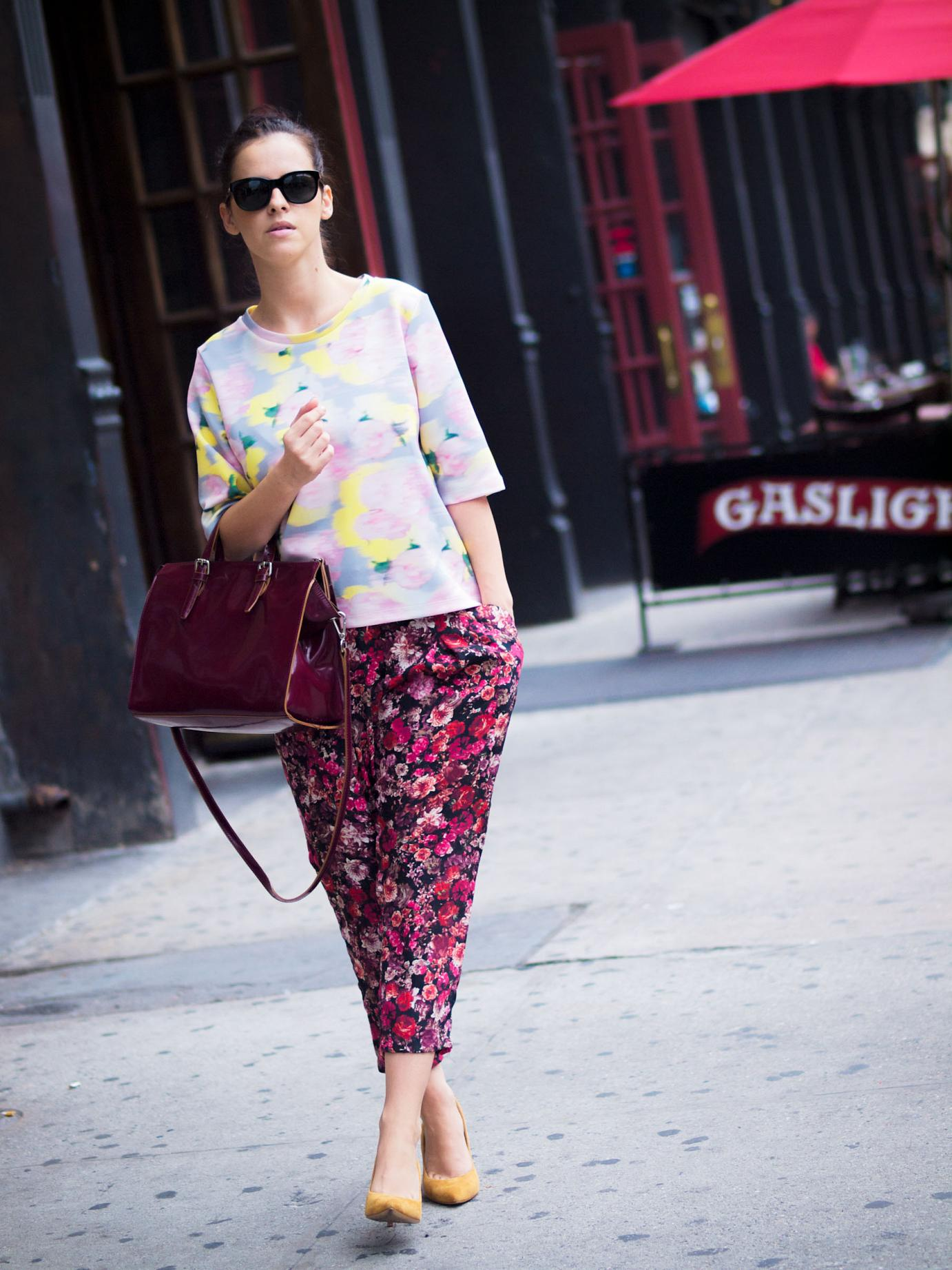 bittersweet colours, nyfw, nyfw september 2014, nyfw SS2015, nyfw street style, street style, New York, floral prints, floral pants, print on print, topshop, neoprene top, j.crew shoes, burgundy color, burgundy trend,