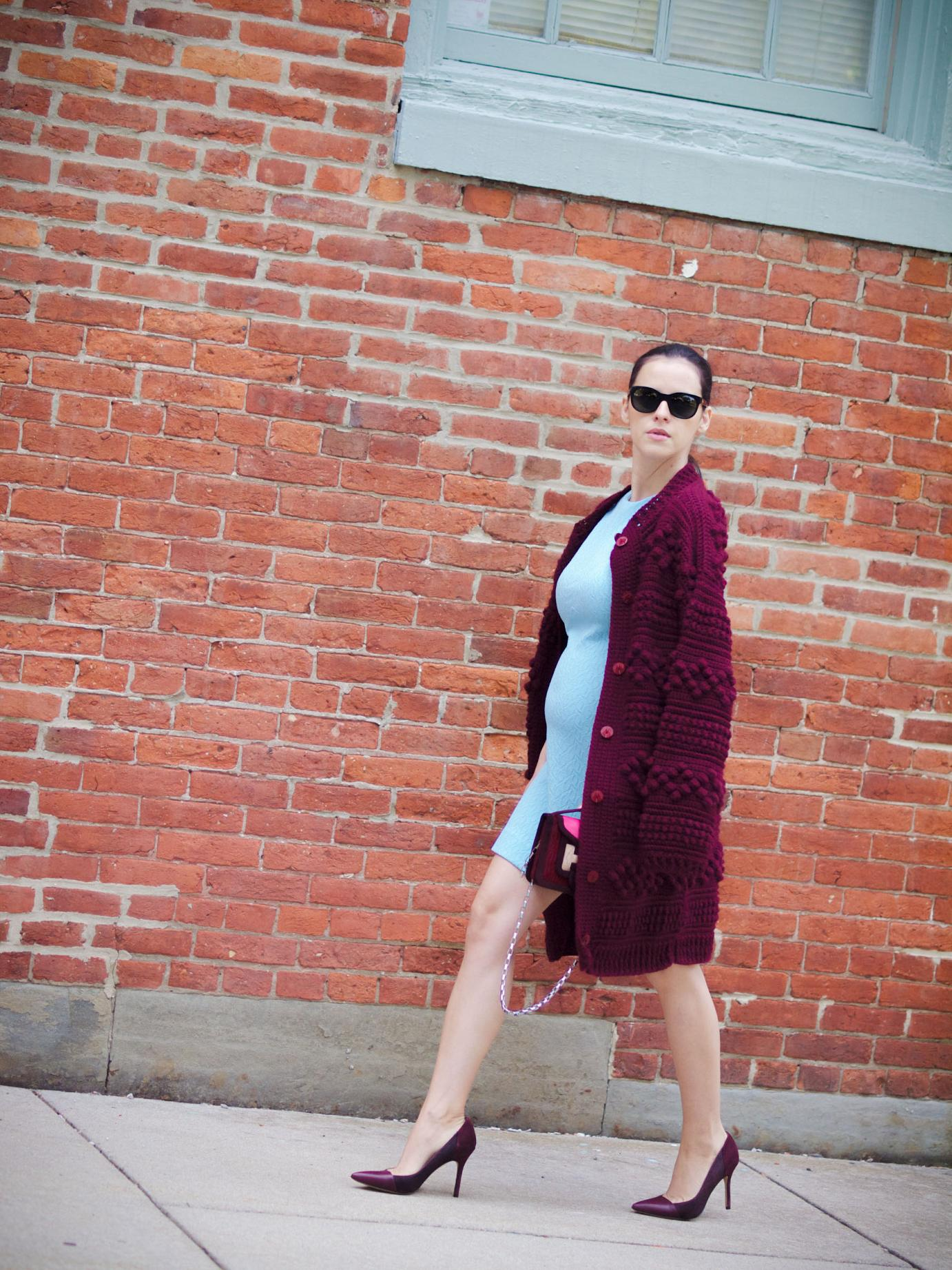bittersweet colours, fall colors, fall trends,  fall favorites, burgundy color, burgundy trend, burgundy cardigan, vintage, blue dress. sam edelman, maternity style, street style, pierre hardy bag, cooee jewelry, bump style
