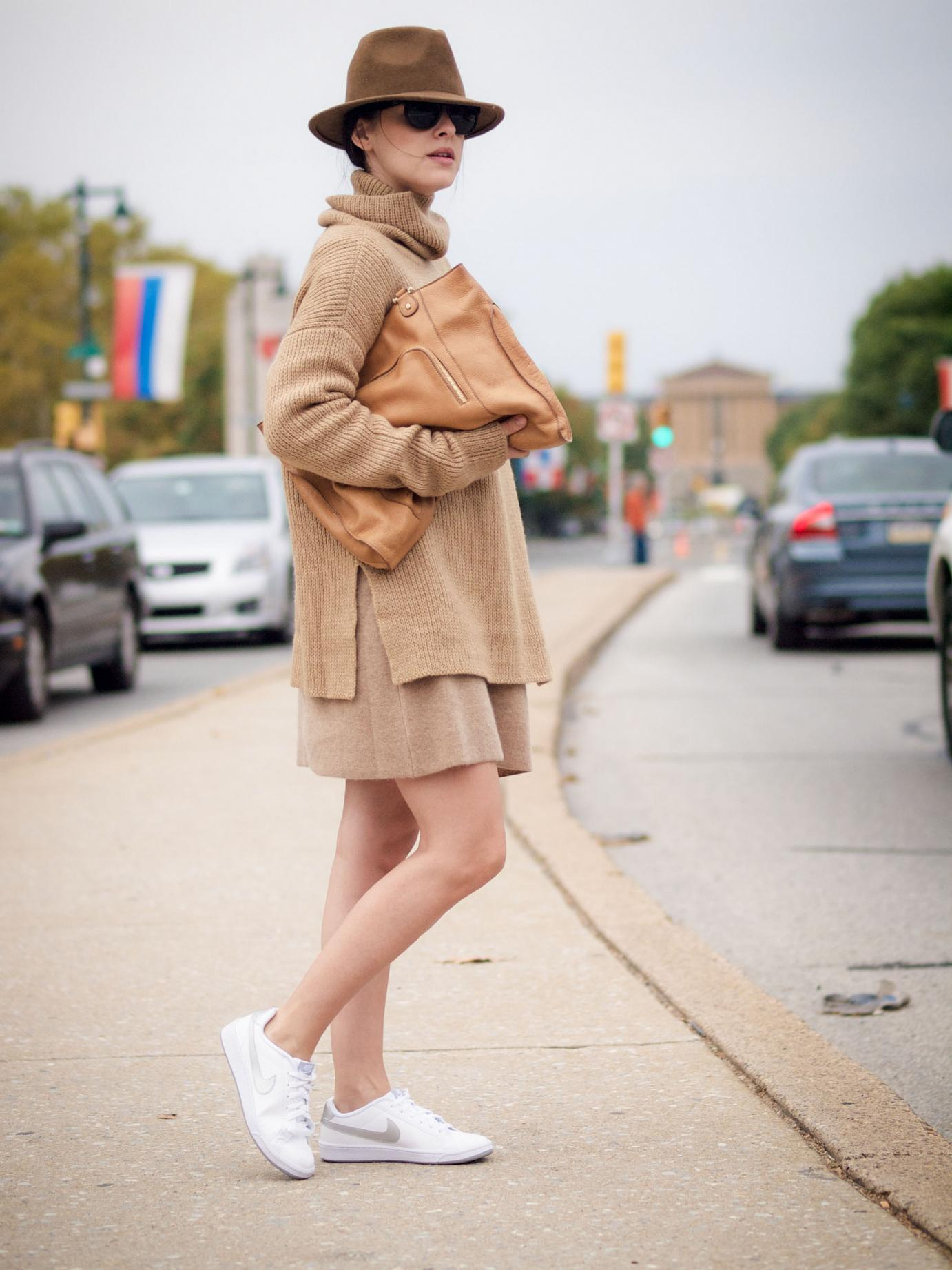 bittersweet colours, Philadelphia, Philadelphia city guide, calypso st barth, nike sneakers, white sneakers, cashmere sweater, camel trend, camel dress, camel sweater, turtleneck, fall, street style, fall colors, maternity style,