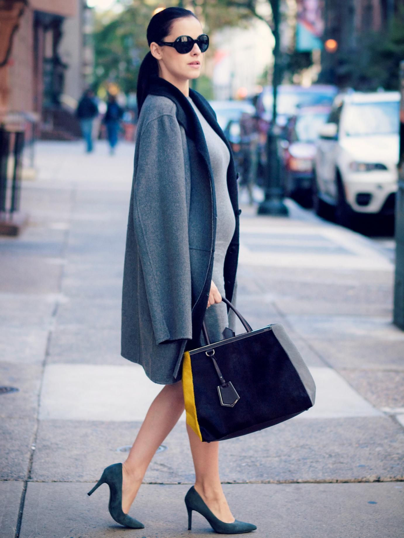 bittersweet colours, Philadelphia, street style, fall coats, fall, maternity style, bumb style, grey outfit, 2jours bicolor fendi bag, fendi bag, vintage, grey dress, nine west