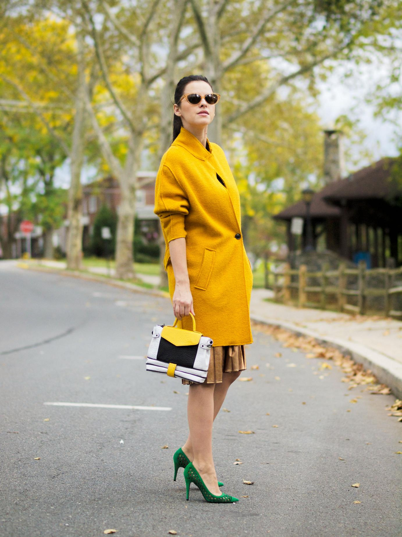 bittersweet colours, fall, fall coats, fall colors, fall trends, yellow coat, facine, pierre hardy shoes, metallic skirt, pleated skirt, metallic trends, eye cat sunglasses, maternity style, 18 weeks, street style,