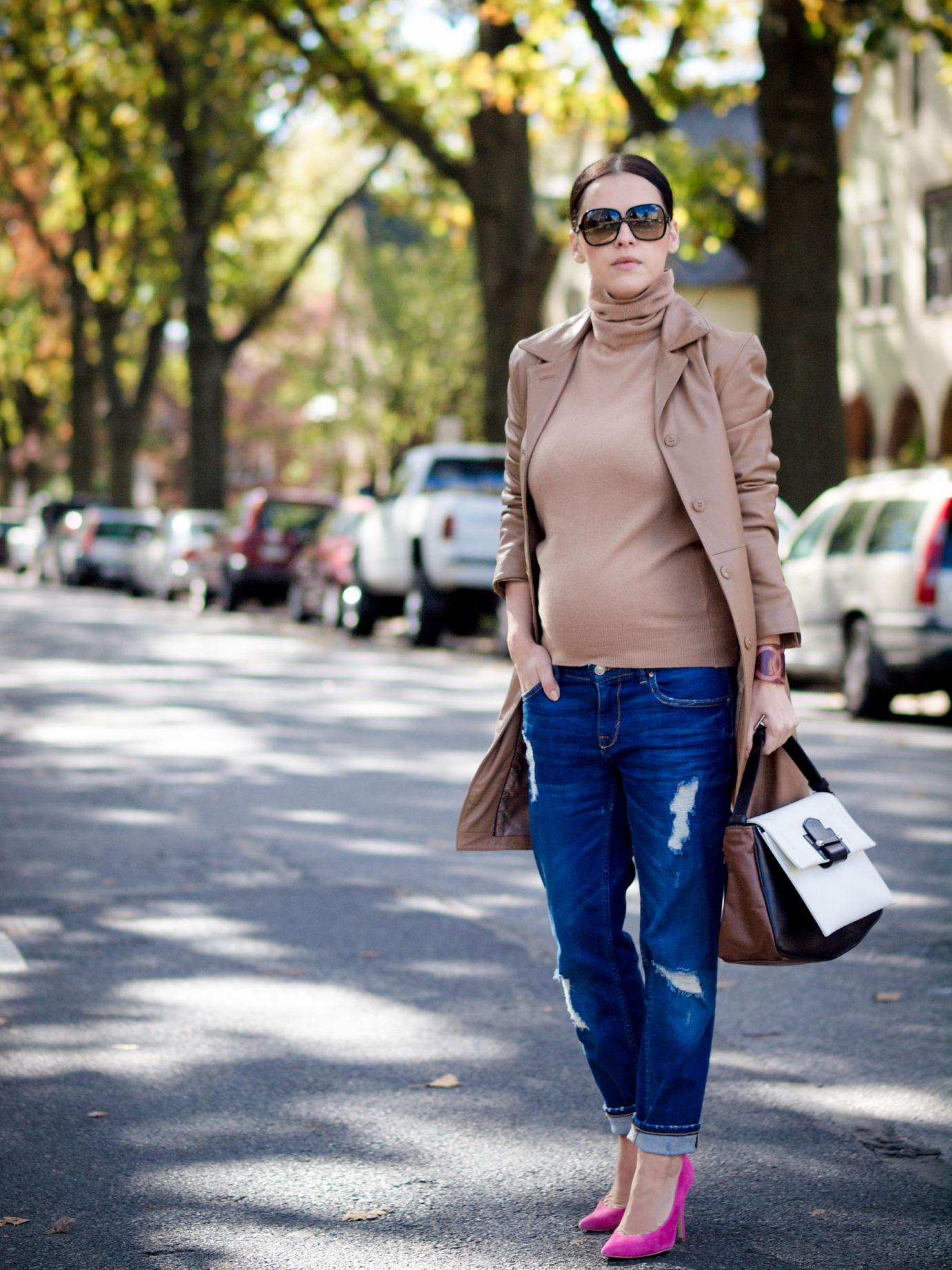 bittersweet colours, fall coats, fall street style, fall, leather trench coat, camel trend, boyfriend jeans, topshop shoes, turtleneck, Yves Saint Lauren sunglasses, chanel bracelet, maternity style, bumb style, 20 weeks,